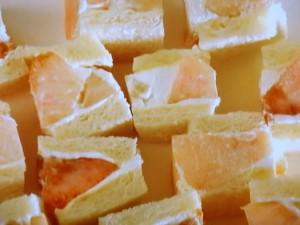 桃のサンドイッチ