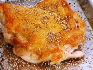 鶏もも肉の皮パリソテー