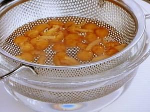 めかぶとナメコのジャージャン麺