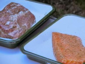 豚肉とサーモンの燻製