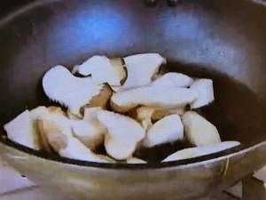 もこみち流 中華風 牛肉とあわびたけのスパイス炒め