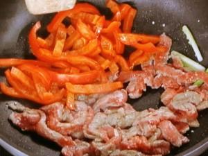 牛肉とパプリカの炒めもの