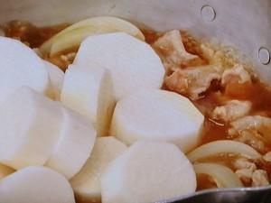 長芋と豚バラ肉の煮もの
