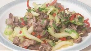 砂肝とセロリの唐辛子炒め