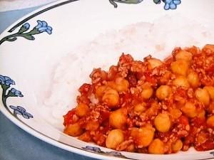 ひき肉とひよこ豆のトマト煮