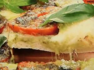 もこみち流 トマトスライスとバジルソースのピッツァ