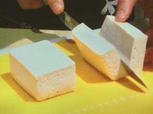 レンジで簡単!豆腐の挟み蒸し