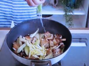 もこみち流 鶏肉とセロリのレモン塩炒め