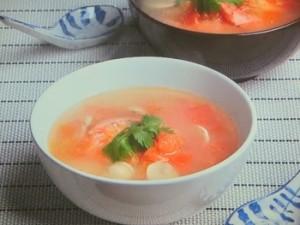 えびとマッシュルームのアジアンスープ