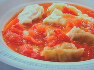 ラビオリのトマトソース