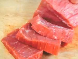 もこみち流 牛肉とさつまいものピリ辛炒め
