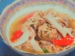 もこみち流 中華辛だんごときのこのスープ