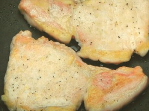 豚肉とりんごの蒸し焼き