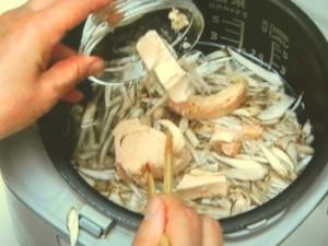 ごぼうとツナの炊きこみご飯