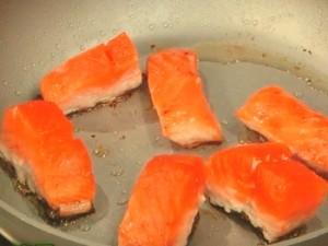 秋香る鮭としめじのバターしょうゆ