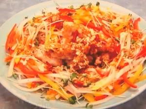 もこみち流 油淋鶏(ユーリンチー)の彩り野菜添え