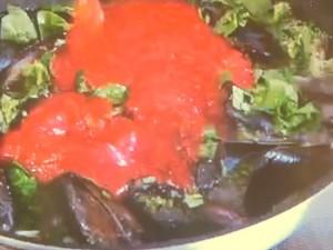 アンチョビとムール貝のトマトソースパスタ