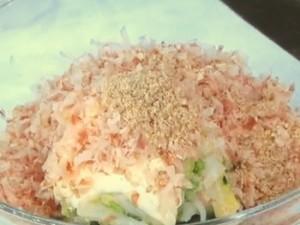 白菜が丸ごと食べたくなる簡単サラダ