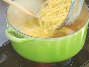 卵とチーズのスパゲッティ