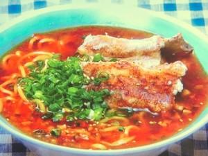 心平流サンラータン麺