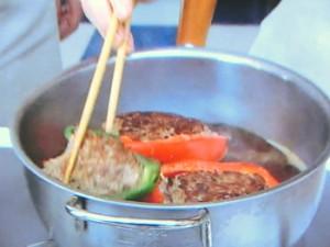 パプリカの肉詰め マッシュポテト添え