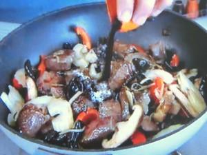 もこみち流 牛肉のオイスター炒め丼