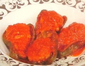 肉詰めピーマンのトマト煮