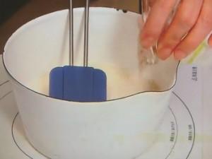 豆乳のパンナコッタのキウイソース
