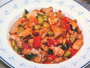 豚ヒレ肉ときゅうりの辛み炒め