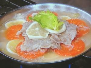豚肉と野菜のレモンスープ蒸し