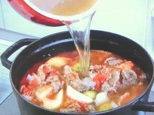 もこみち流 牛スジの和風トマト煮込み