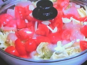 鶏胸肉とキャベツの洋風トマト蒸し