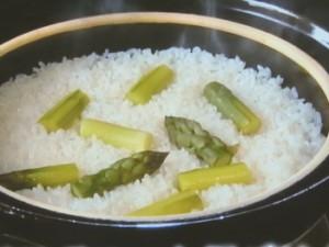 アスパラガスの土鍋ごはん