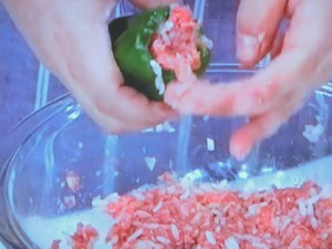 肉詰めピーマンの蒸し煮