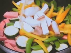 ランチョンミートと野菜の蒸し炒め