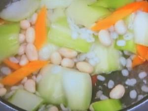 大麦の豆乳スープ
