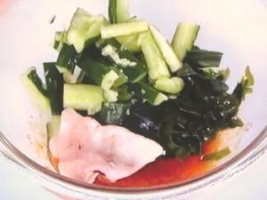 豚肉ときゅうりの梅肉酢