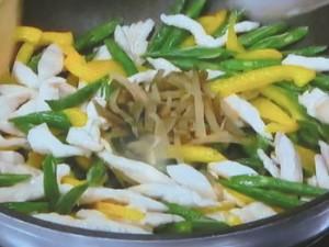 鶏肉といんげんのザーサイ炒め