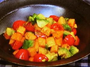柿とアボカドのクミンサラダ