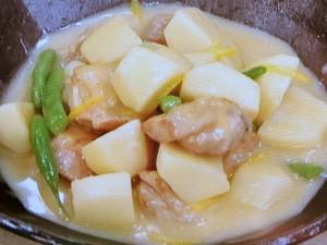 鶏肉とサトイモの白みそ煮