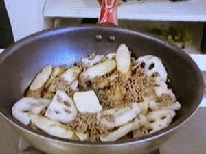 もこみち流 牛ひき肉と根菜のヤキメシ