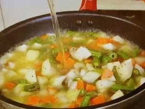 もこみち流 野菜とトルティーヤのスープ