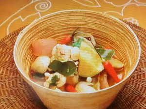もこみち流 鶏肉のトムヤムスープ