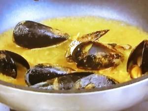 もこみち流 カレー風味のムール貝パスタ