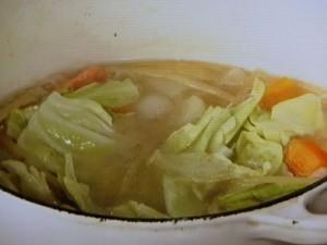 塩ざけとたっぷり野菜のスープパスタ