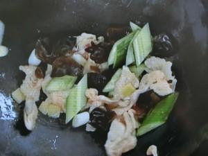 豚肉と卵の炒めもの