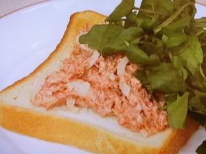 コンビーフペースト&食パン
