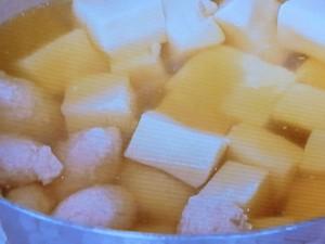 鶏つくねと高野豆腐の煮もの