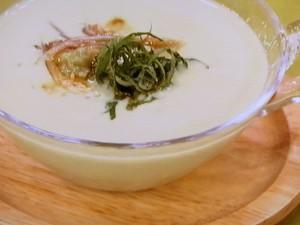 アボカドの冷たいスープ