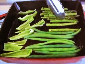 もこみち流 緑野菜のグリルといんげん豆~バジルとほうれん草のソース